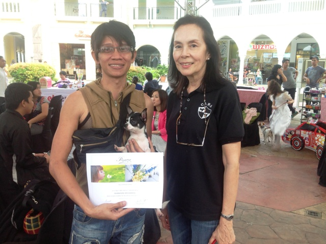 Charles de la Cruz and Nancy Cu Unjieng of CARA Welfare Philippines during the Halloween Purr-ty